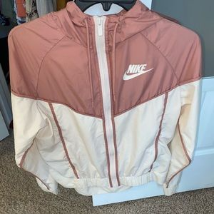 Women's Nike Windbreaker Guava Ice/Pink